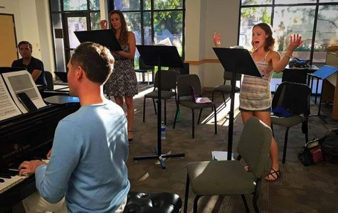 Opera troupe gets cozy with IC