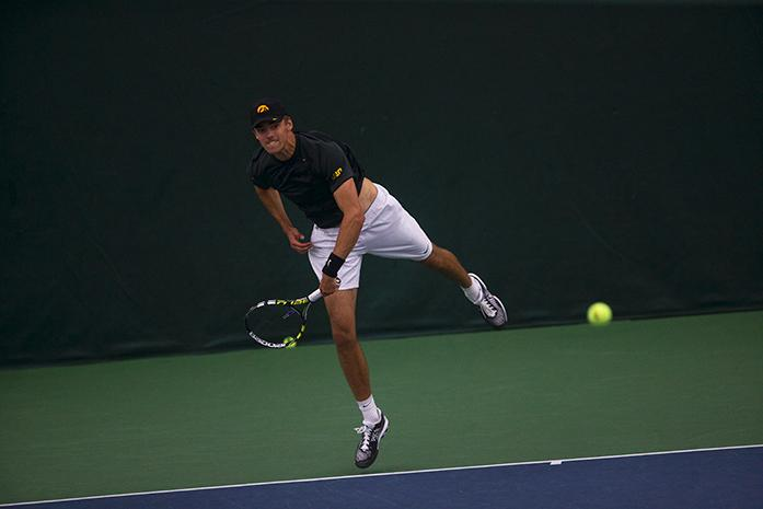 Men\'s tennis has mixed results – The Daily Iowan
