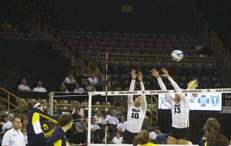 V-ball struggles on the blocks