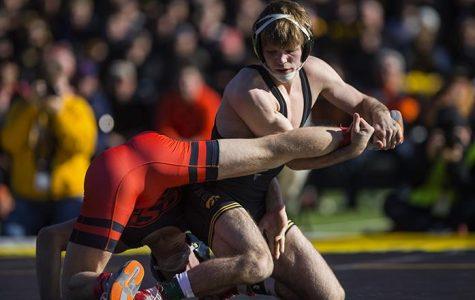 Iowa tops Oklahoma State, 18-16, in Grapple on the Gridiron