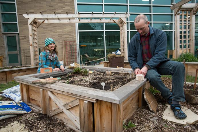 Jen Kardos And Fred Meyer Prepare The Community Garden At The Robert A Lee  Community Recreation