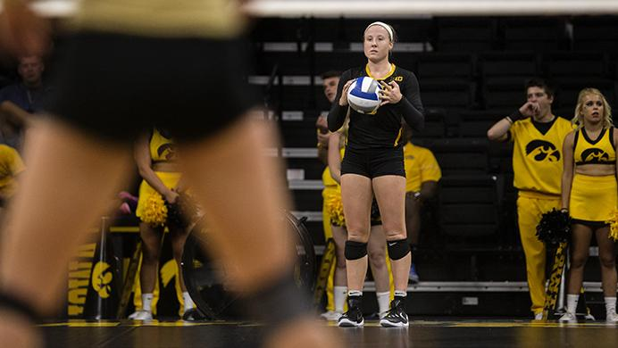 Iowa%27s+Annika+Olsen+prepares+to+serve+the+ball+during+a+volleyball+match+at+the+Carver+Hawkeye+Arena+in+Iowa+City+on+Saturday%2C+Sept.+3+%2C+2016.+Iowa+defeated+Oakland+3-0.+%28The+Daily+Iowan%2FTing+Xuan+Tan%29