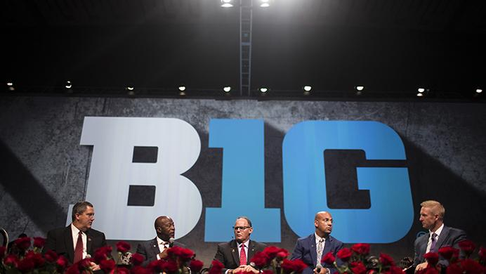 Coaches+Paul+Chryst%2C+Lovie+Smith%2C+Tom+Allen%2C+and+James+Franklin+interview+with+Fox+Sports+Game+Analyst%2C+Joel+Klatt%2C+during+the+Big+Ten+Football+Media+Day+Luncheon+at+McCormick+Place+Conference+Center+in+Chicago+on+Tuesday%2C+July+25%2C+2017.+%28Ben+Smith%2FThe+Daily+Iowan%29