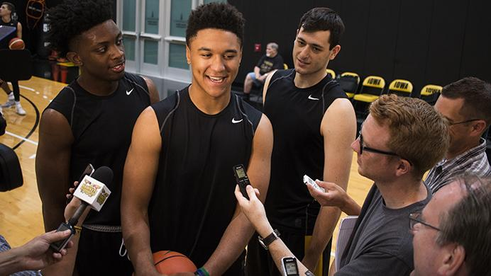 Iowa%27s+Tyler+Cook+and+Ryan+Kriener+heckle+teammate+Cordell+Pemsl+while+he+speaks+with+members+of+the+media+during+a+men%27s+basketball+practice+in+Carver-Hawkeye+Arena+on+Wednesday%2C+Aug.+2%2C+2017.++The+Hawkeyes+will+travel+to+Europe+on+August+6+for+12+days.+%28Joseph+Cress%2FThe+Daily+Iowan%29