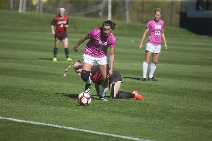 Iowa+forward+Kaliegh+Haus+takes+possession+of+the+ball+at+the+Iowa+Soccer+Complex+on+Sunday%2C+Oct.+8%2C+2017.+The+Hawkeyes+defeated+the+Terrapins+4-0.+%28Ashley+Morris%2FThe+Daily+Iowan%29