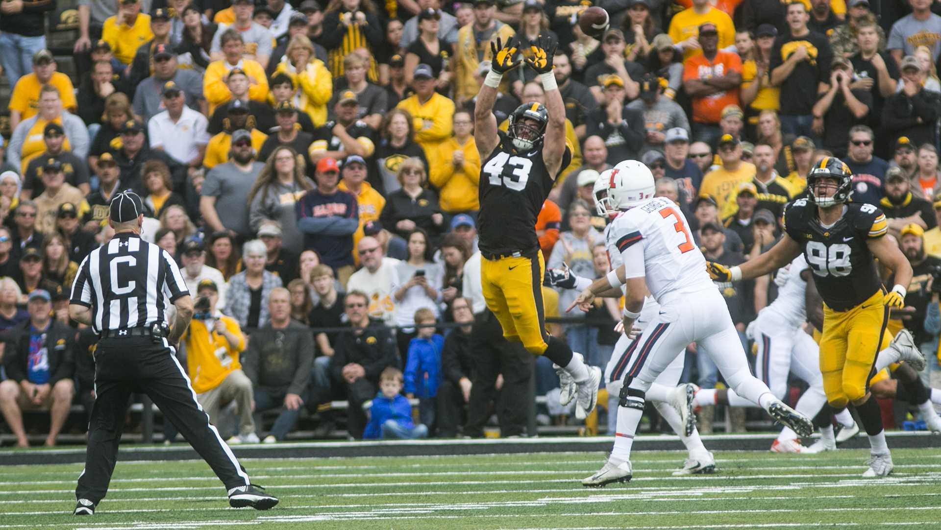 Iowa linebacker Josey Jewell attempts to block a pass during an NCAA football game between Iowa and Illinois in Kinnick Stadium on Saturday, Oct. 7, 2017.  The Hawkeyes defeated the Fighting Illini, 45-16. (Joseph Cress/The Daily Iowan)