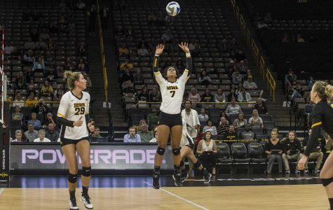 Volleyball upsets ranked Big Ten opponent