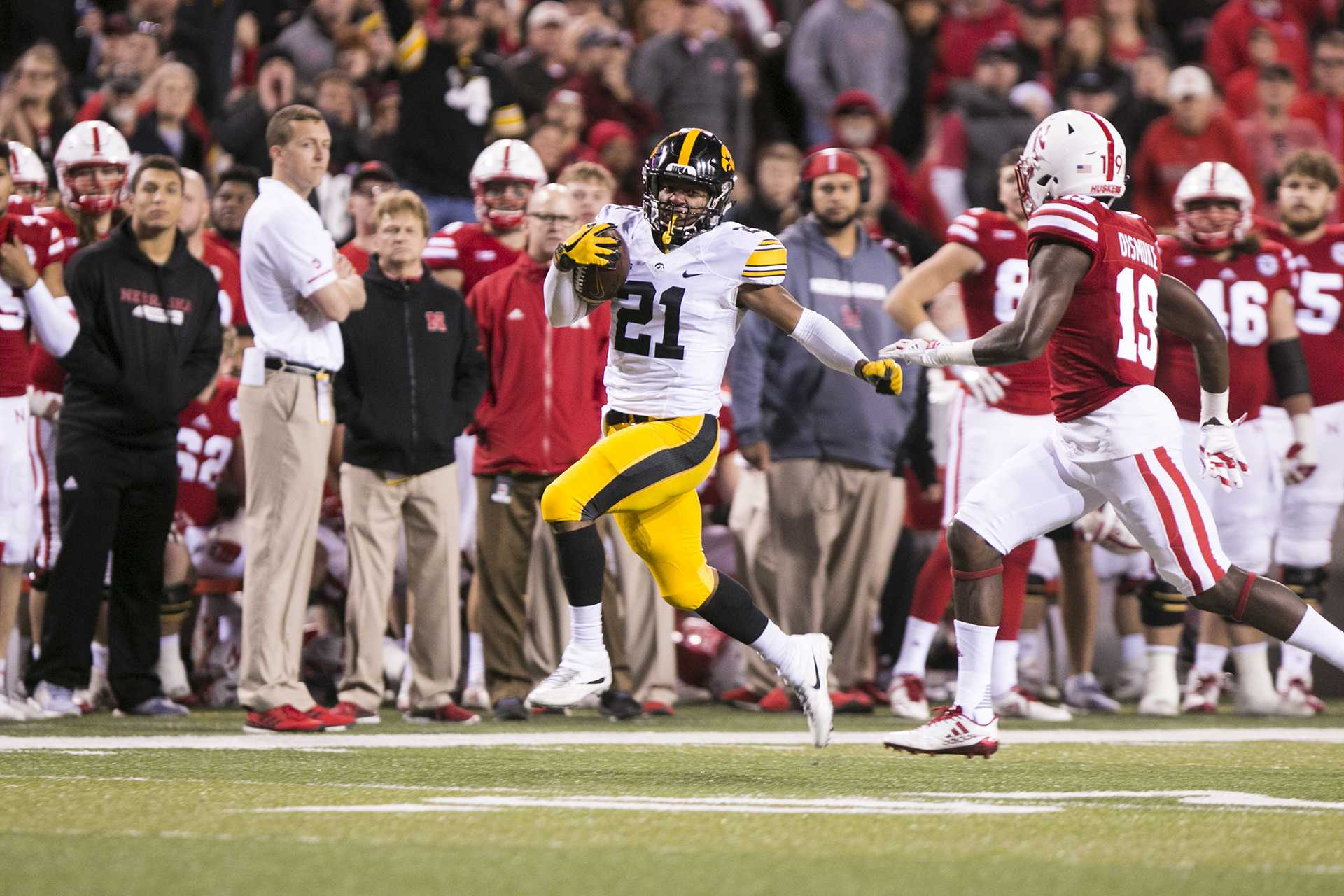 Point/Counterpoint: Who will be Iowa's premier running back?