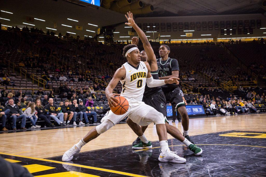 Iowa%E2%80%99s+Ahmad+Wagner+drives+the+baseline+during+a+game+against+Chicago+State+University+on+Friday%2C+10.+Nov%2C+2017.+The+Hawkeyes+defeated+the+Cougars+95-62.+%28David+Harmantas%2FThe+Daily+Iowan%29