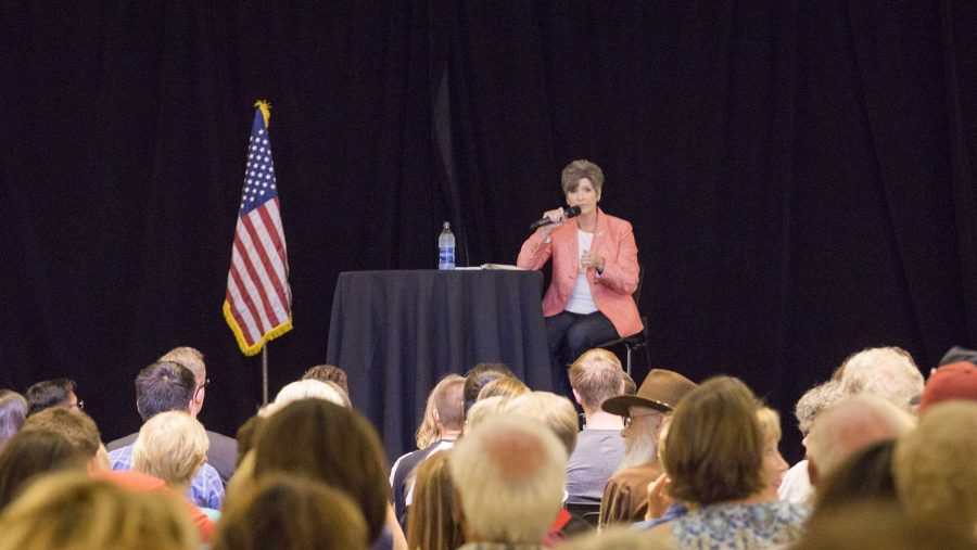 Iowa+Sen.+Joni+Ernst%2C+R-Iowa%2C+answers+questions+at+a+Town+Hall+meeting+in+the+Iowa+Memorial+Union+on+Friday%2C+Sept.+22%2C+2017.+The+crowd+was+filled+with+energetic+and+concerned+voters+from+all+political+affiliations.++%28James+Year%2FThe+Daily+Iowan%29
