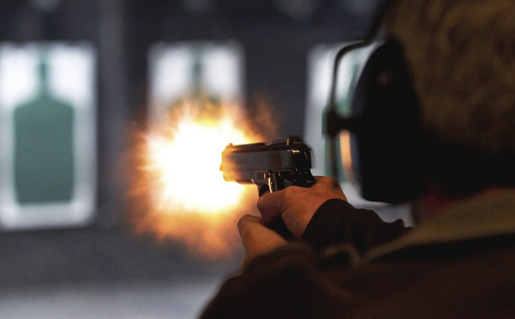 Ernie+Vandergriff+fires+at+a+target+during+a+class+for+a+concealed+handgun+license+at+The+Shooting+Gallery+in+Fort+Worth%2C+Texas%2C+January+17%2C+2013.+%28Ron+Jenkins%2FFort+Worth+Star-Telegram%2FMCT%29