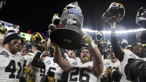Iowa snaps bowl-game losing streak, beats Boston College, 27-20, in Pinstripe Bowl