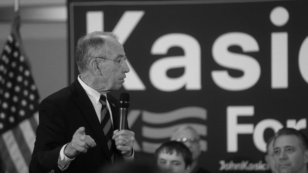 Sen.+Chuck+Grassley%2C+R-Iowa%2C+introduces+Republican+presidential+candidate+John+Kasich+during+a+rally+at+the+National+Czech+and+Slovak+Museum+and+Library+in+Cedar+Rapids+on+Friday%2C+Jan.+29%2C+2016.+Kasich+briefly+ran+in+the+2000+presidential+election.+%28The+Daily+Iowan%2FMargaret+Kispert%29