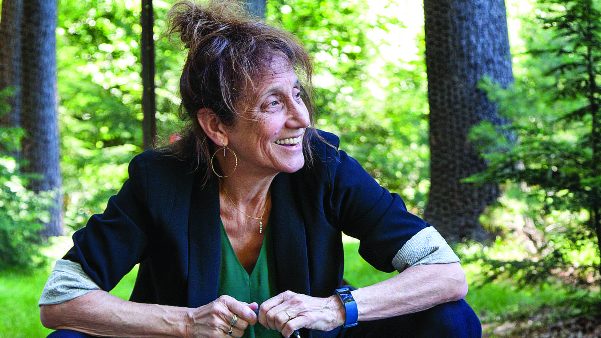 Liz Lerman will demonstrate how dance relates to several fields