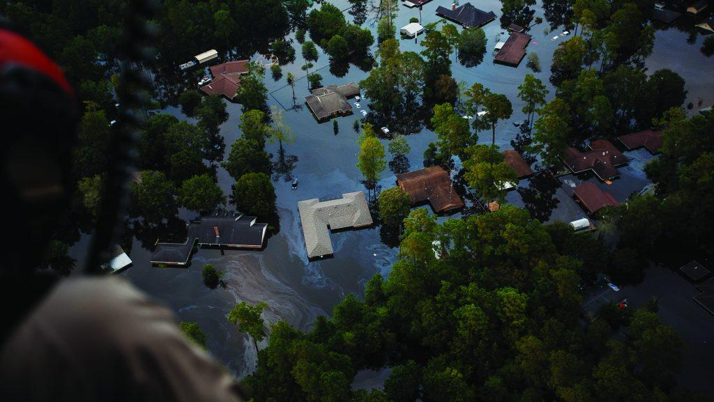 Rising+floodwater+engulfs+entire+residential+neighborhoods+in+the+aftermath+of+Tropical+Storm+Harvey+near+Lumberton%2C+Texas%2C+on+Thursday%2C+Aug.+31%2C+2017.+%28Marcus+Yam%2FLos+Angeles+Times%2FTNS%29