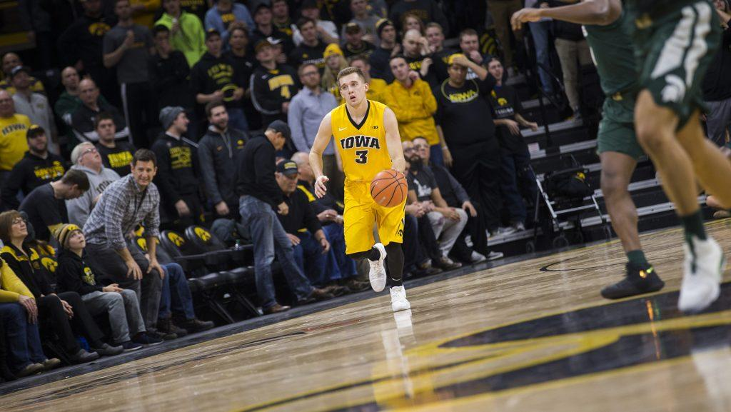 Iowa+G+Jordan+Bohannon+dribbles+during+a+basketball+game+between+Iowa+and+Michigan+State+at+Carver-Hawkeye+Arena+on+Tuesday%2C+Feb.+6%2C+2018.+The+Hawkeyes+were+defeated+by+the+visiting+Spartans%2C+96-93.+%28Shivansh+Ahuja%2FThe+Daily+Iowan%29