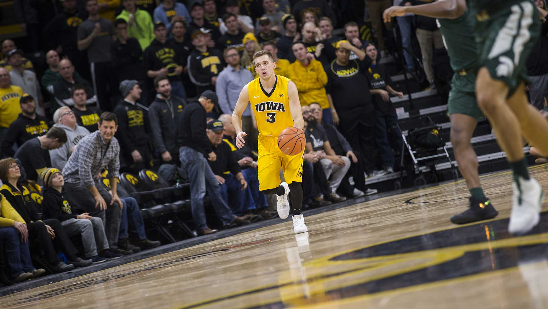 Point/Counterpoint: Iowa's Jordan Bohannon, the point guard?