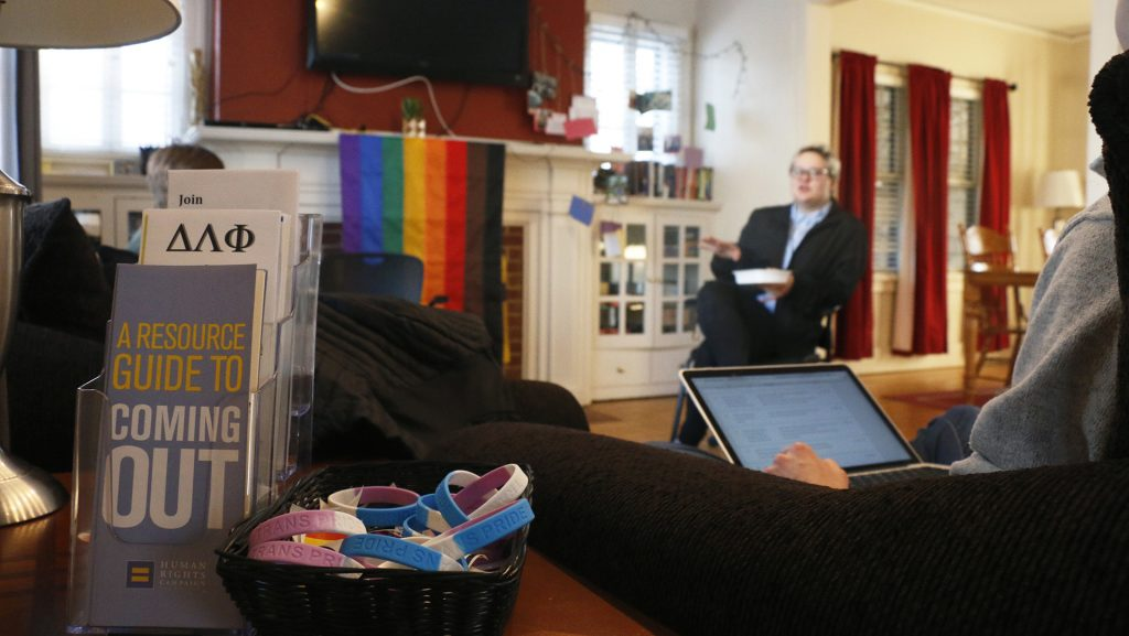 Employees+discuss+issues+concerning+the+LGBT+community+in+the+UI+LGBT+Resource+Center+on+Feb.+7%2C+2018.+Representatives+from+Student+Legal+Services%2C+the+UI+LGBT+Clinic%2C+and+Student+Health+Services+spoke+about+the+resources+that+would+available+to+trans+individuals+on+campus.+%28Katina+Zentz%2FThe+Daily+Iowan%29