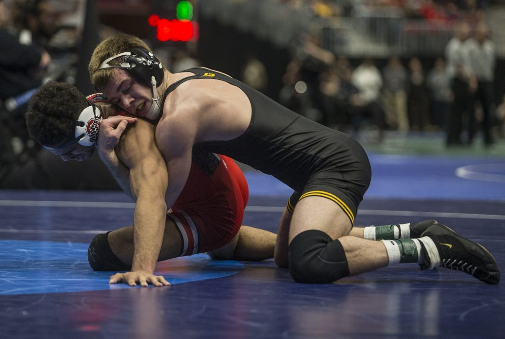 Iowa%27s+149-pound+Brandon+Sorensen+competes+against+Ohio+State%27s+Ke-Shawn+Hayes+during+Session+4+of+the+NCAAs+Wrestling+Championships+at+Quicken+Loans+Arena+in+Cleveland%2C+OH+on+Thursday%2C+March+16%2C+2018.+Sorensen+defeated+Hayes+by+major+decision+9-0.+%28Ben+Allan+Smith%2FThe+Daily+Iowan%29