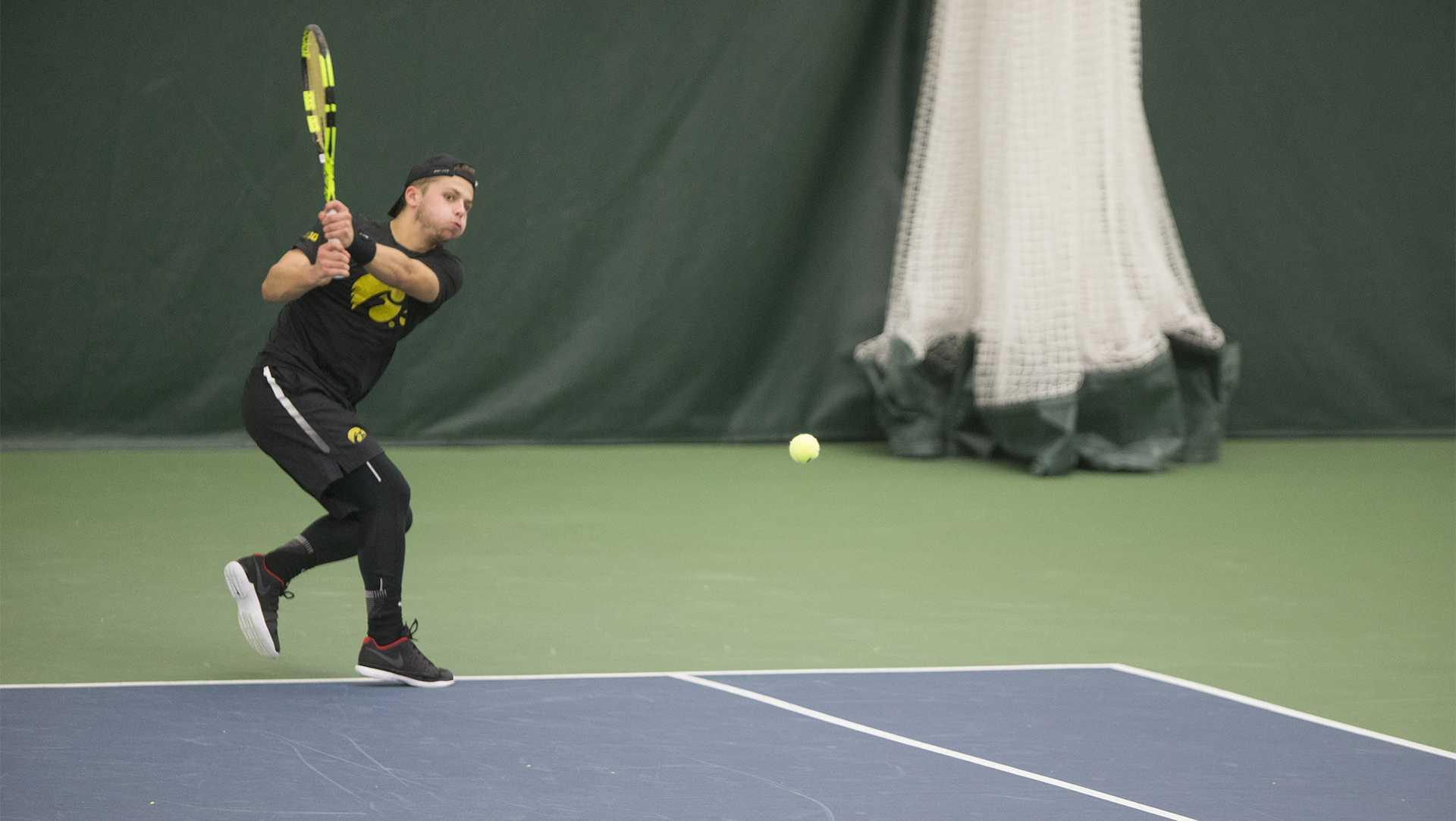 Men's tennis win in Big Ten opener