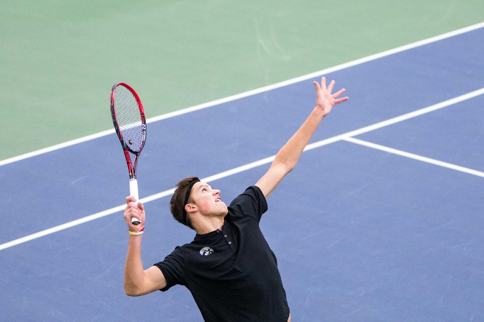 Men's tennis is hopeful for home wins