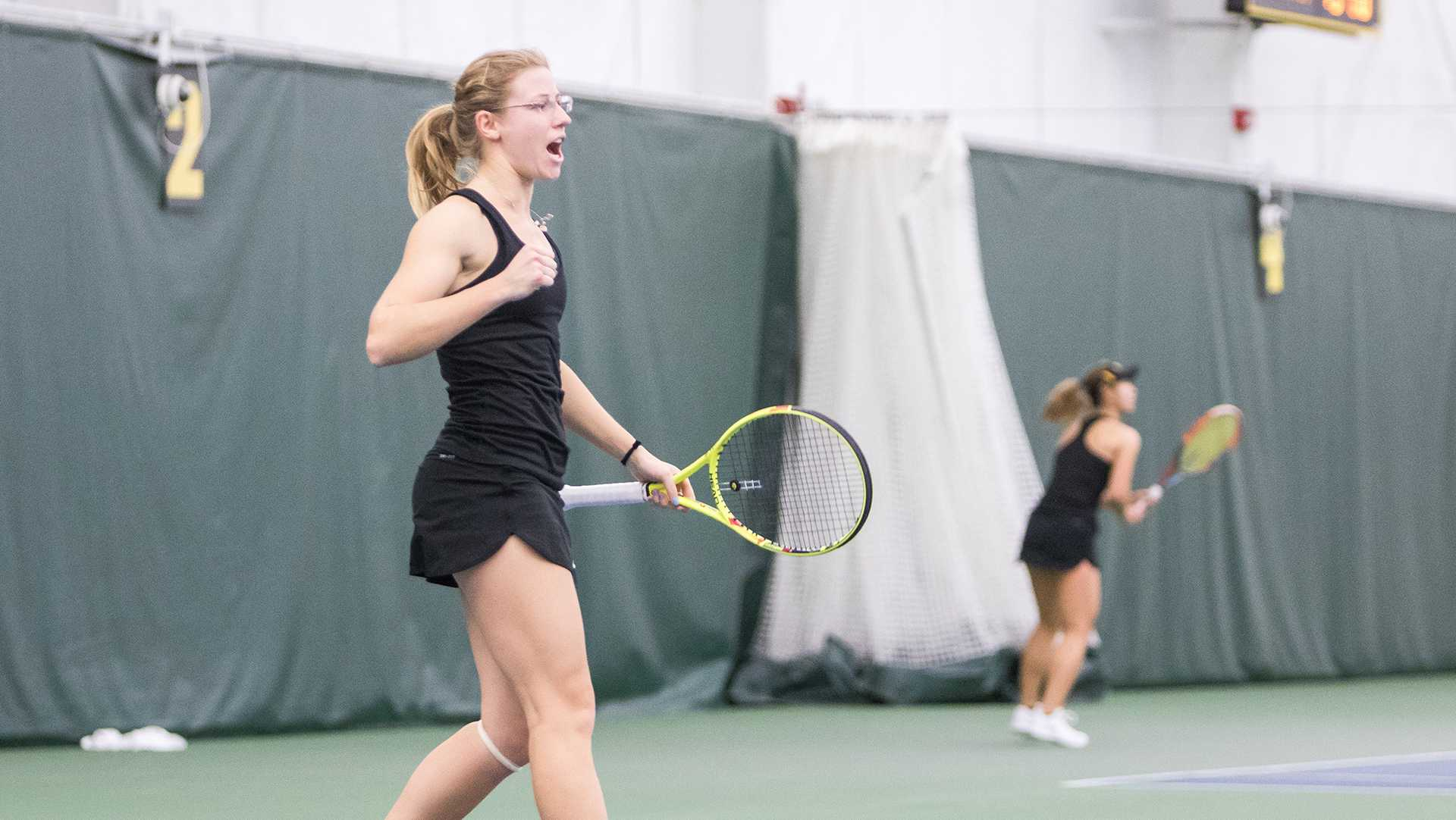Women's tennis gets much-needed win