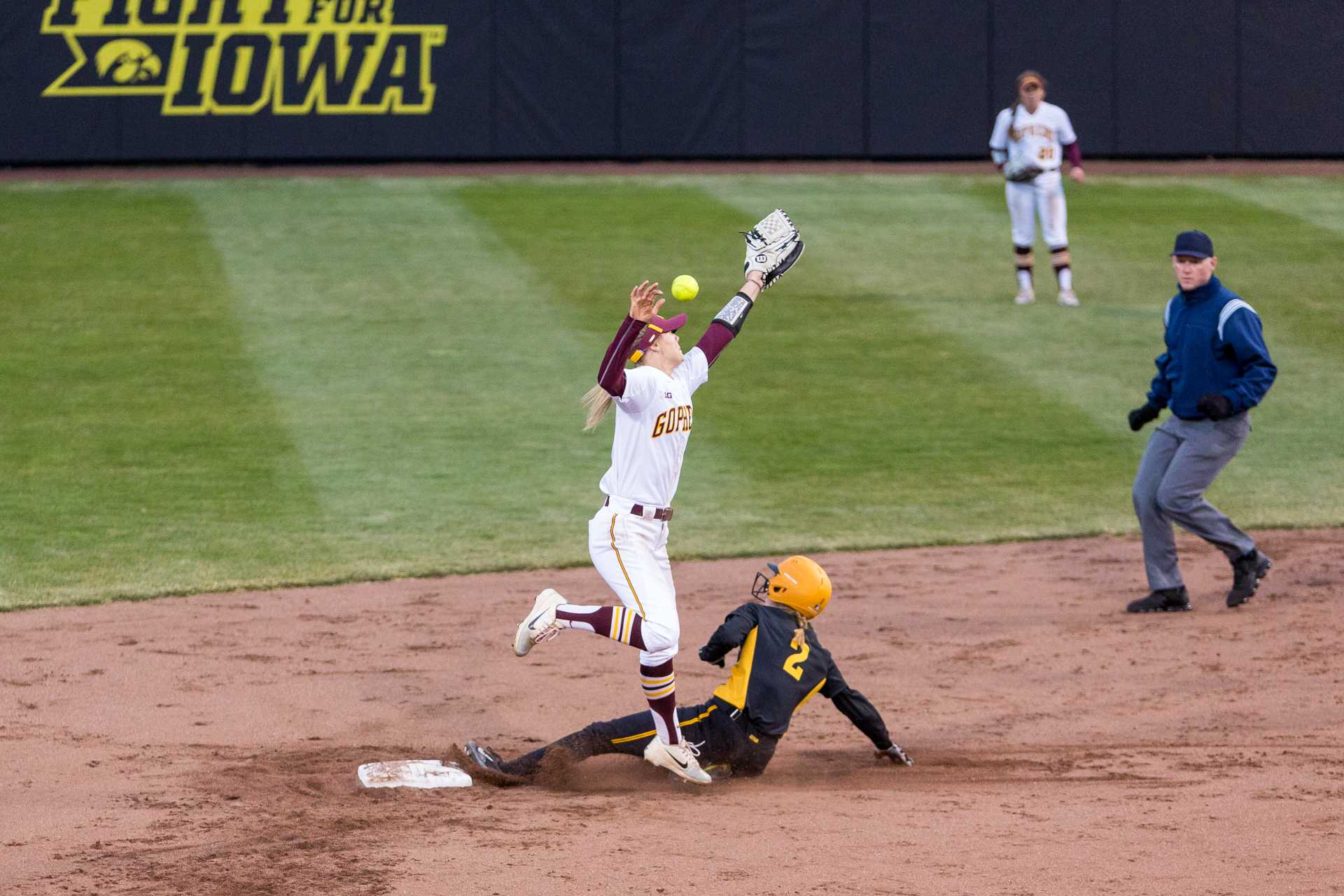 Photos: Softball vs Minnesota game 2