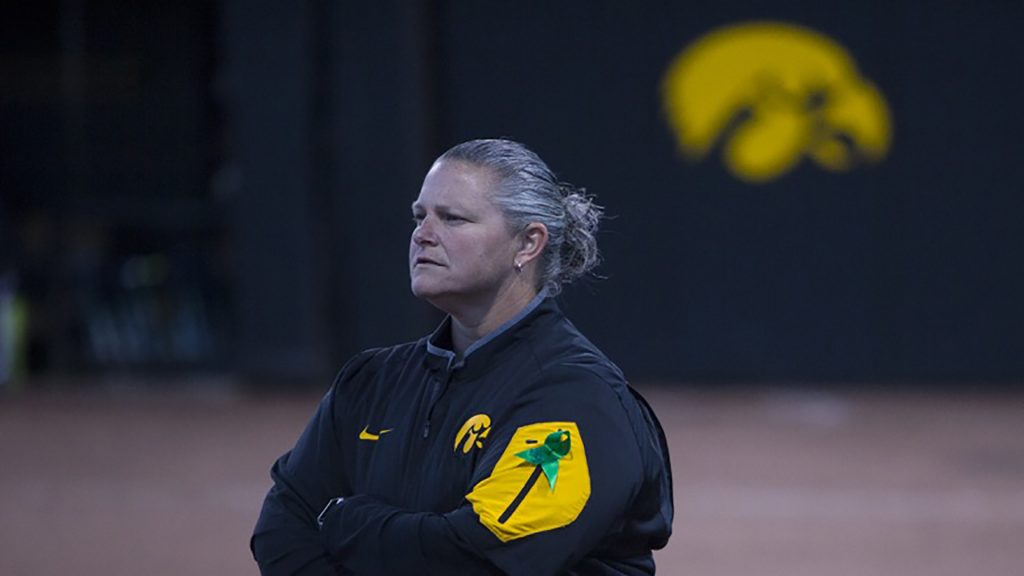 Iowa+head+coach+Marla+Looper+looks+to+the+outfield+during+a+softball+game+against+Valparaiso+at+Bob+Pearl+Field+in+Iowa+City+on+Friday%2C+March+17%2C+2017.+The+Hawkeyes+defeated+the+Crusaders%2C+3-0.+%28The+Daily+Iowan%2FJoseph+Cress%29