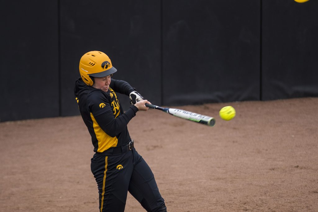 Iowa%27s+Mallory+Kilian+hits+a+ball+during+the+Iowa%2FWisconsin+softball+game+at+Bob+Pearl+Field++on+Sunday%2C+April+8%2C+2018.+The+Hawkeyes+defeated+the+Badgers+in+the+third+game+of+the+series%2C+5-3.+%28Lily+Smith%2FThe+Daily+Iowan%29