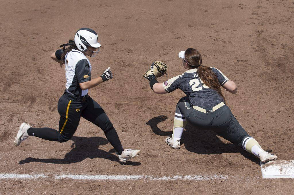 Iowa%27s+Lea+Thompson+is+tagged+out+by+Purdue%27s+Lexi+Huffman+during+a+softball+game+between+Iowa+and+Purdue+on+Sunday%2C+May+6%2C+2018.+The+Boilermakers+spoiled+the+Hawkeyes%27+senior+day%2C+6-0.+%28Shivansh+Ahuja%2FThe+Daily+Iowan%29