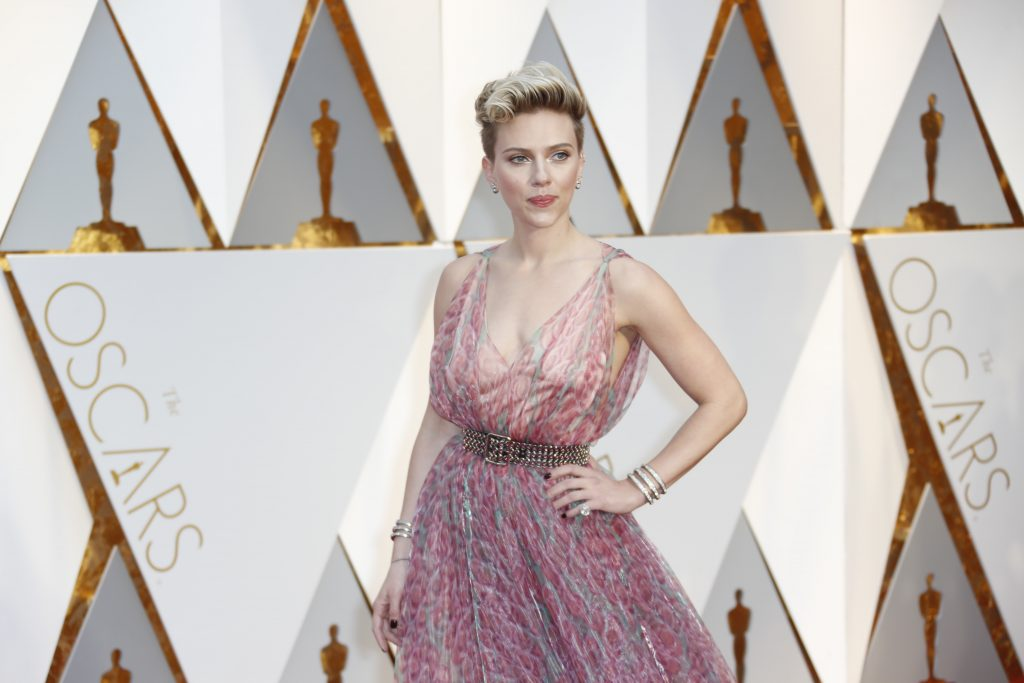 Scarlett+Johansson+arrives+at+the+89th+Academy+Awards+on+Sunday%2C+Feb.+26%2C+2017%2C+at+the+Dolby+Theatre+at+Hollywood+%26amp%3B+Highland+Center+in+Hollywood.+%28Jay+L.+Clendenin%2FLos+Angeles+Times%2FTNS%29