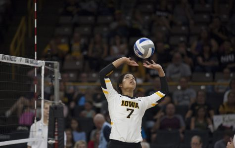 Iowa volleyball prepares for battles out West