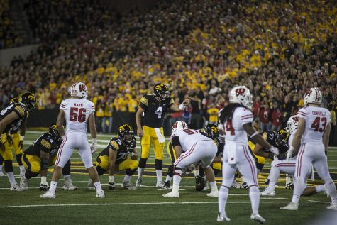 Hawkeyes Run Wild Over 'Cats