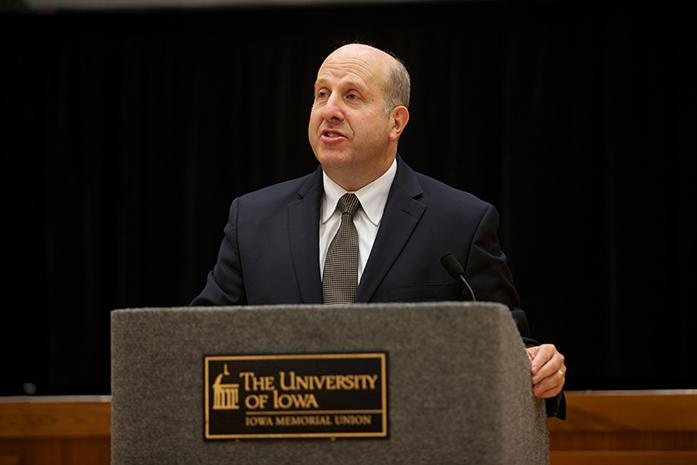 Presidential candidate finalist Marvin Krislov speaks at a press conference at the IMU on Thursday, August 27, 2015. The state Board of Regents will interview the four candidates and select a new president on Sept. 1. (The Daily Iowan/Mikaela Parrick)