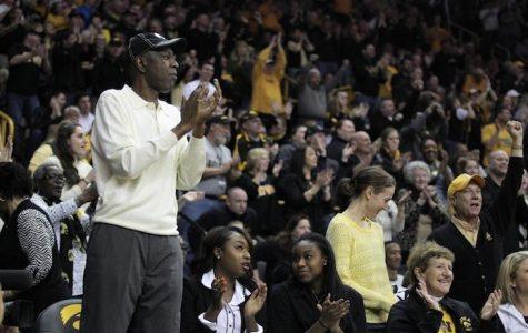Hawkeye basketball legend Roy Marble dies at 48