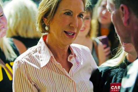 Protesters greet Fiorina in IC