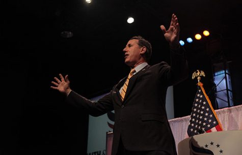 Paul, Santorum withdraw