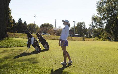 Former pros aid women's golf