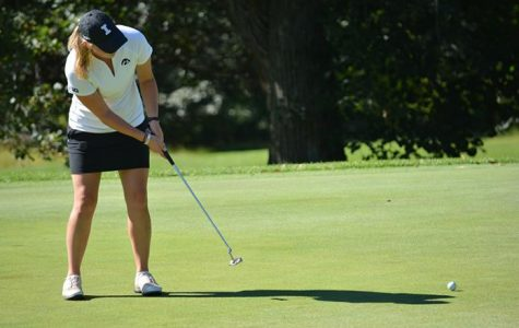 Women's golf places second