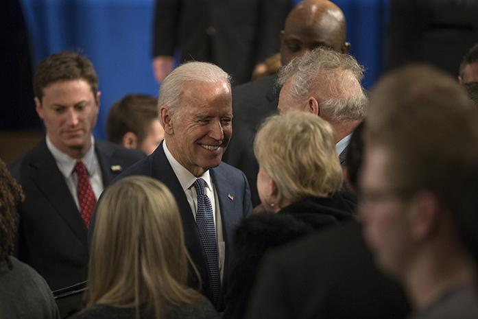Vice+President+Joe+Biden+shakes+hands+with+a+woman+after+a+speech+inside+a+Drake+University+auditorium+on+Feb.+12%2C+2015.+Biden%2C+who+has+been+pegged+as+a+potential+2016+presidential+candidate+for+the+Democratic+ticket%2C+touted+several+national+successes+under+the+two-term+Obama+administration.+%28The+Daily+Iowan%2FSergio+Flores%29