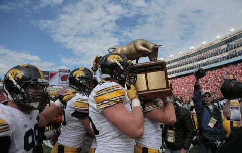 Hawkeyes demonstrate they can win uggggg-ly