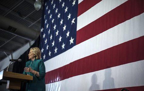 After Democratic debate, Clinton regains her footing