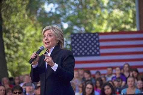 Clinton returns to Iowa