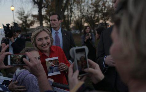 Clinton stumps against guns