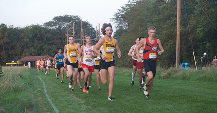 Junior+Kevin+Docherty+keeps+his+place+in+the+front+of+the+pack+next+to+unattached+Freshman+Bailey+Hesse-Withbroe+during+the+men%27s+6k+race+on+Friday%2C+Sep.+4%2C+2015+at+the+Ashton+Cross+Country+Course+in+Iowa+City%2C+Iowa.+%28The+Daily+Iowan%2FBrooklynn+Kascel%29