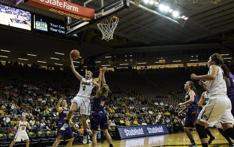 Mixed bag for women's hoops