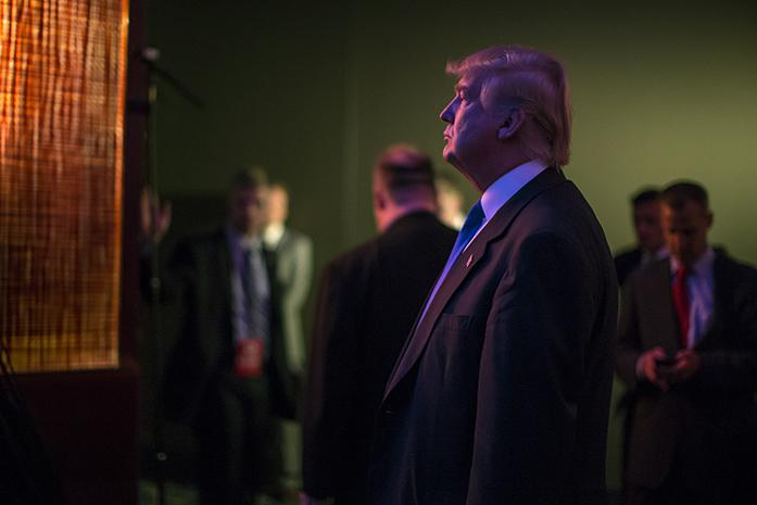 President Donald Trump looks around the room at the 2015 Iowa GOP Lincoln Dinner in Des Moines on May 16, 2015. (The Daily Iowan/Sergio Flores)