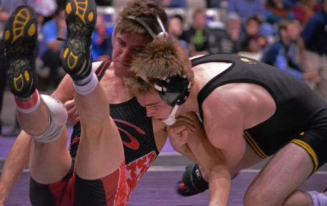 Iowa wrestlers boil Purdue, 39-4