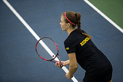 Men's, women's tennis dominate weekend competition