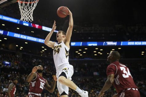 Iowa (barely) escapes upset in tourney